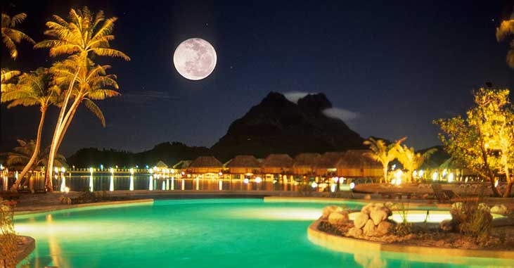 Bora Bora Pearl Beach Resort - Night